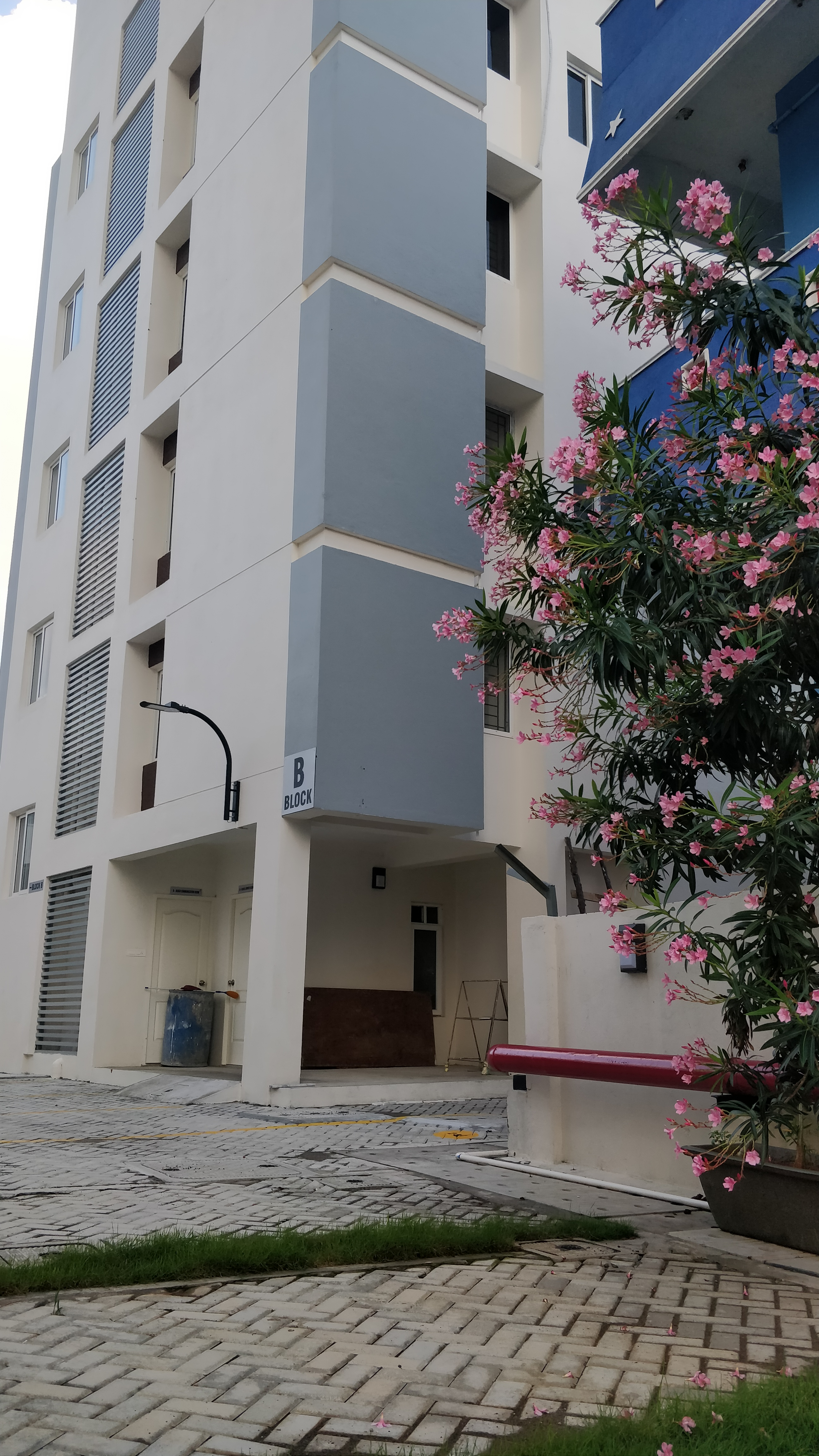 flats for sale in navalur - KG Builders
